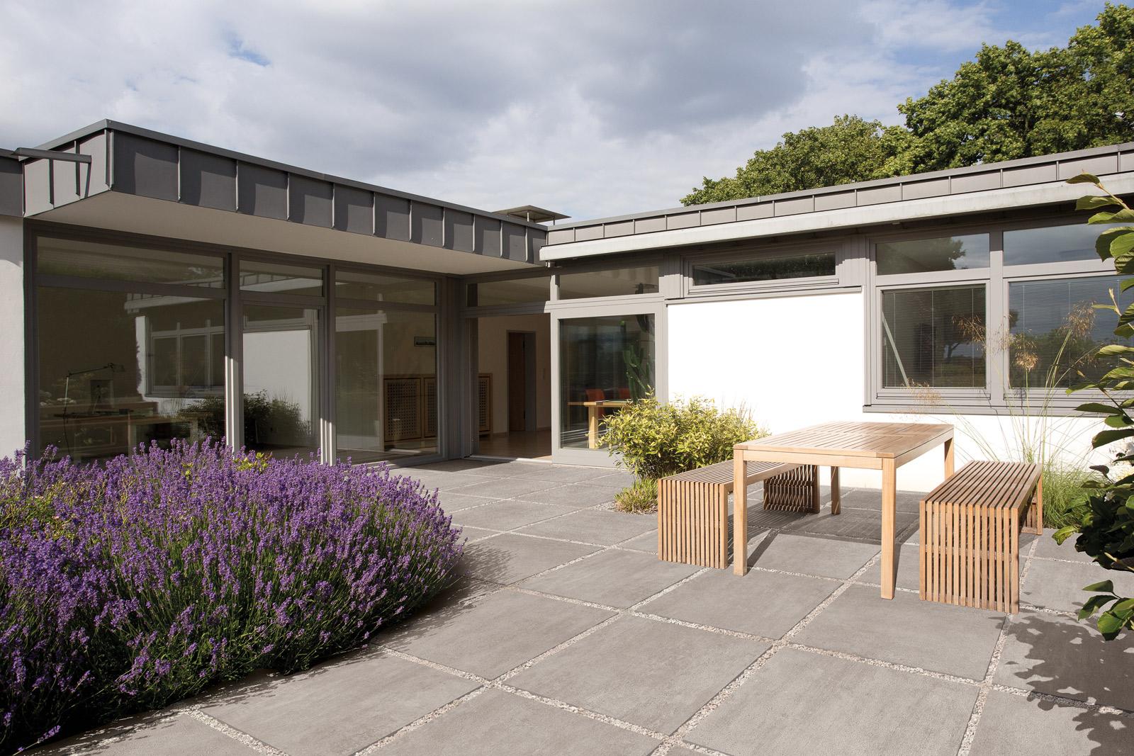 balkon und terrasse linnenbecker gmbh baustoffhandel fliesenhandel holzhandel. Black Bedroom Furniture Sets. Home Design Ideas